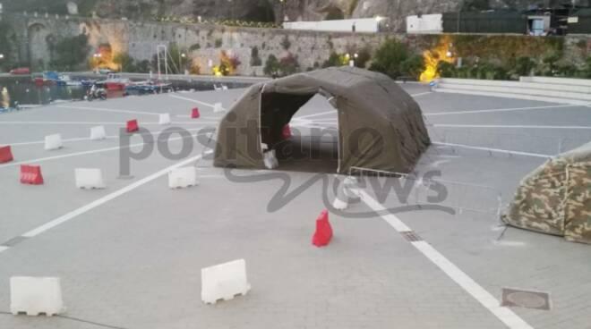Maiori, montata la tenda dell'esercito: da domani si insedierà l'USCA