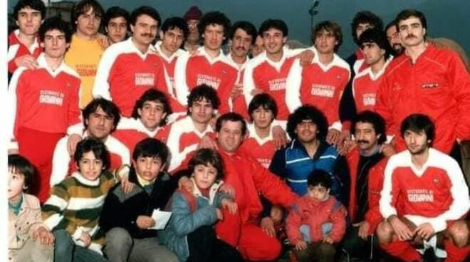 Maradona nel campo del Vico Equense