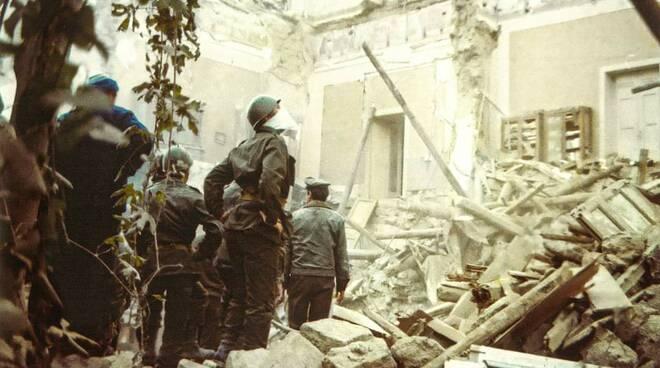 Piano di Sorrento, al via la Mostra Fotografica Virtuale Macerie con il Maestro Federico Iaccarino dedicata al terremoto del 1980
