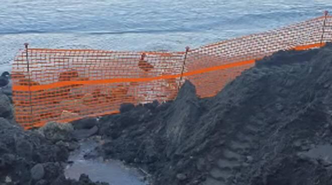 Piano di Sorrento, riqualificazione arenile porto Marina di Cassano: ripristinato l'accesso al rivolo d'acqua per le anatre