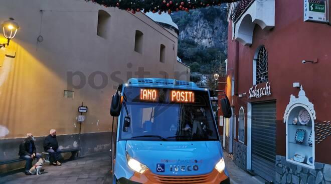 Positano, gli autobus della Mobility Amalfi Coast sempre in servizio