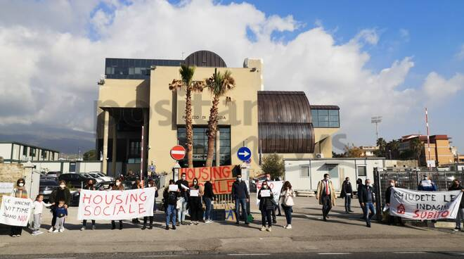 proteste per l'housing a torre annunziata