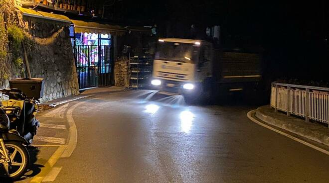 Sanificazione delle strade di Positano