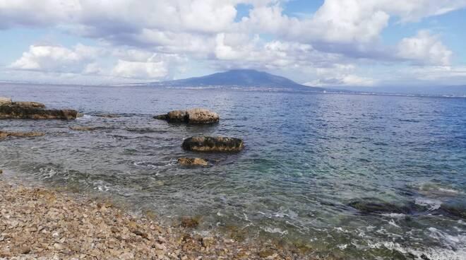 Vico Equense. Il sindaco chiude le spiagge fino al 15 novembre