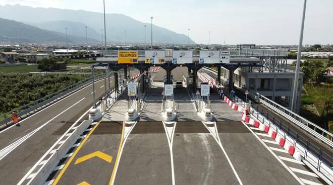 Campania, Anas: aperto al traffico il nuovo vincolo autostradale di Angi, in provincia di Salerno, di collegamento con la SS268 del Vesuvio