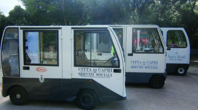 Capri, trasporto per anziani: il Comune acquista due nuovi carrellini