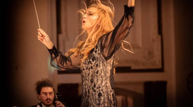 Omaggio a Beethoven  della Nuova Orchestra Scarlatti con Beatrice Venezi e Chiara Polese