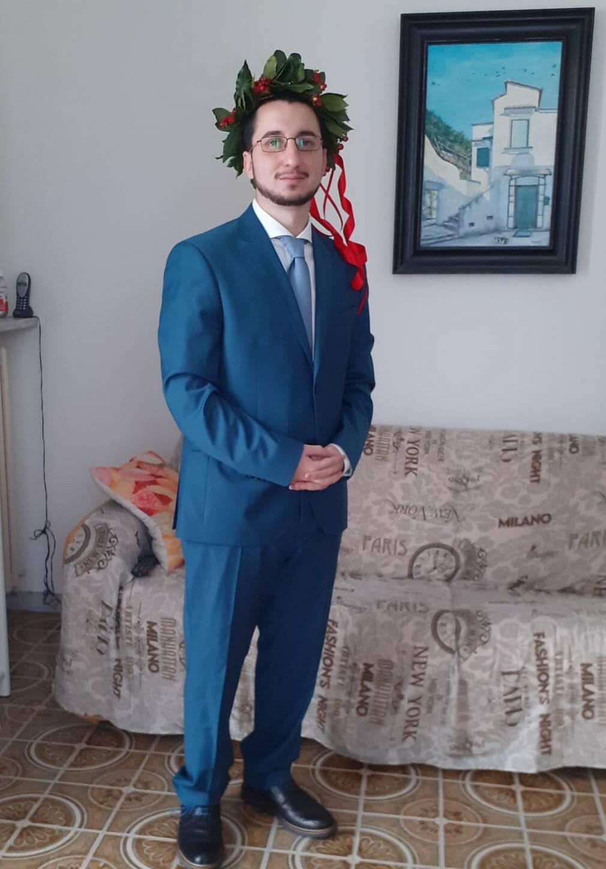 Un altro laureato tra i Minoresi nel Mondo