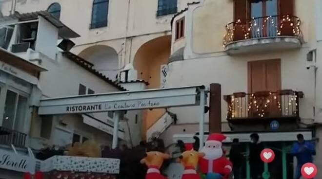 Le 500 di Natale in spiaggia a Positano