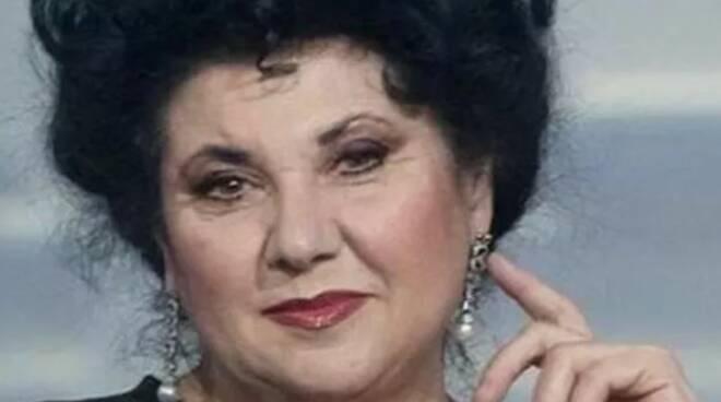 Marisa Laurito: «Grazie all'ipnosi regressiva ho scoperto chi ero nella vita precedente»