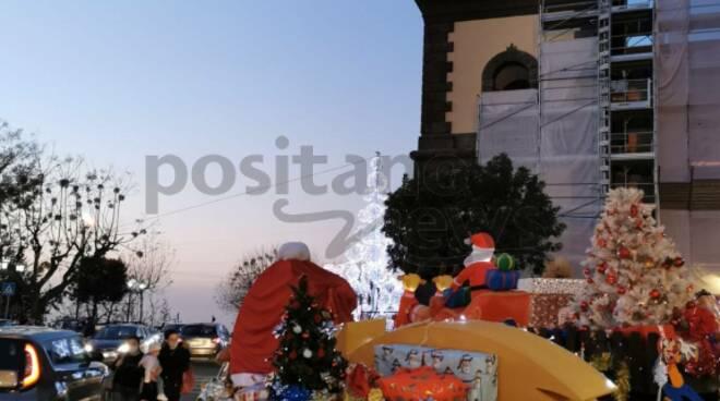 Meta, arrivano le 500 in versione natalizia da Positano
