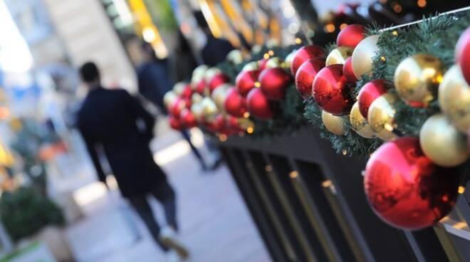 Per Natale addio zone rosse: ristoranti aperti ma stop ai viaggi