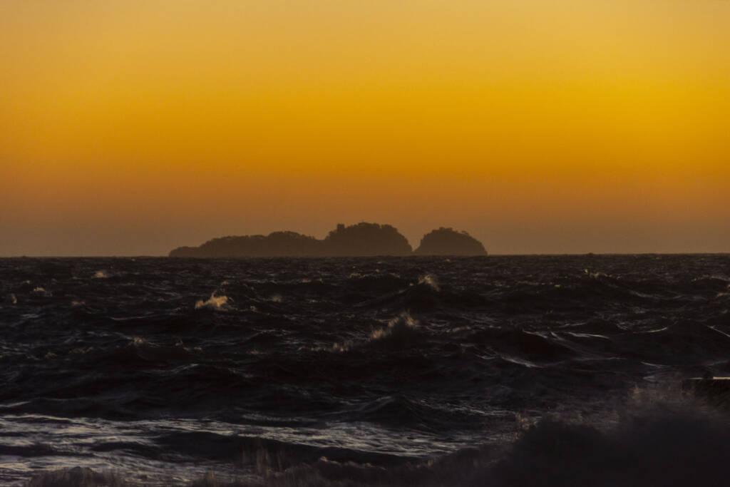 Positano 5 dicembre mareggiata al tramonto
