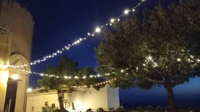 Positano, la luce di Natale anche alla Chiesa Nuova