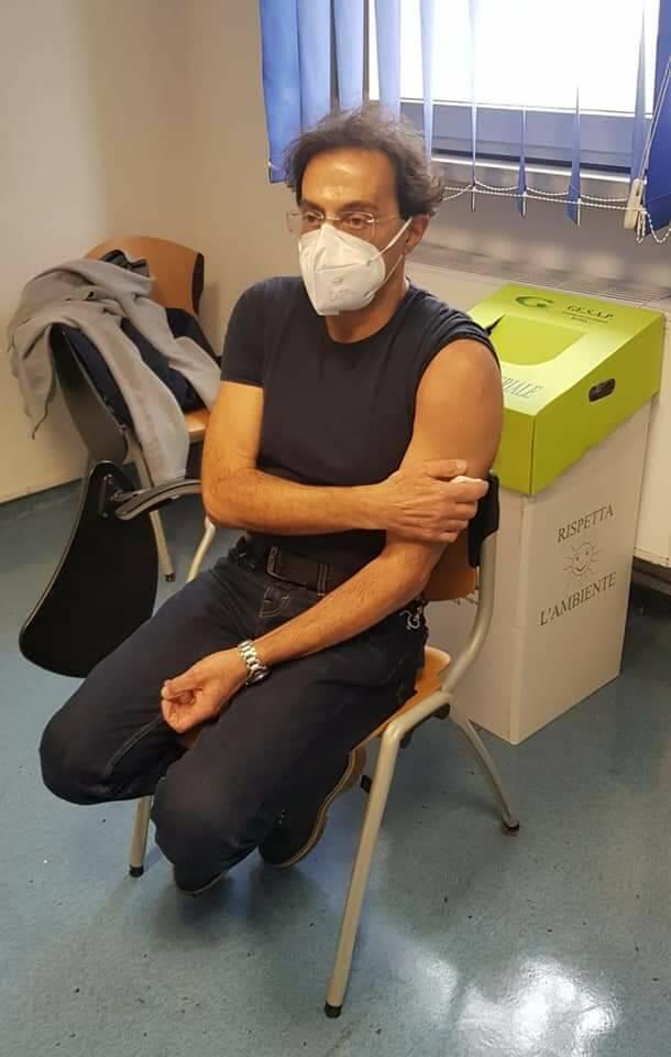 """V-Day, 100 dosi anche all'Ospedale Costa d'Amalfi. Gianluca Mansi: """"Poco fa il vaccino anche per il nostro presidente Franco Lanzieri"""""""
