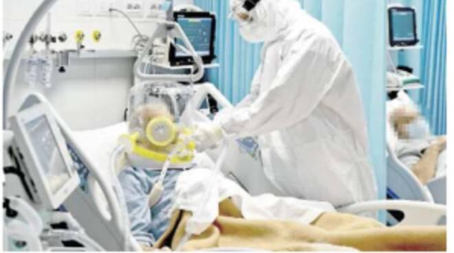 Brescia, iniezioni letali ai malati: «Così liberava posti Covid»