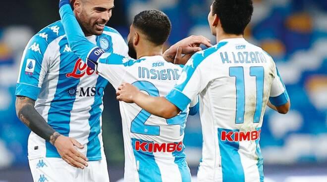 Cagliari -Napoli Solo un punto nelle ultime tre partite I ritorno del Chucky Lozano dal primo minuto
