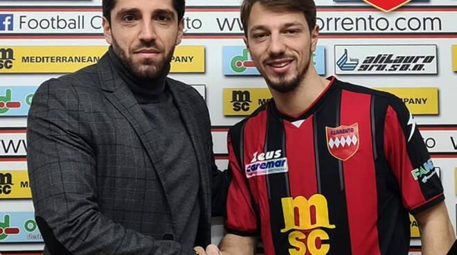 """Calcio, arriva in casa Sorrento Matteo Langella: """"È stato facile integrarsi, gruppo umile composto da brave persone"""""""