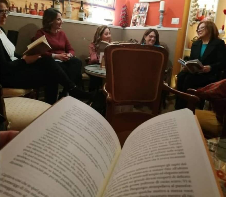 ETICHETTE D'ARTISTA DI FRANCO LISTA PER L'ANGOLO DIVINO A CORSO SECONDIGLIANO 219