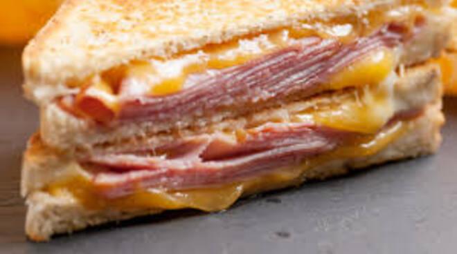 Addio sandwich al prosciutto, oh my God! In Europa solo cibo europeo.