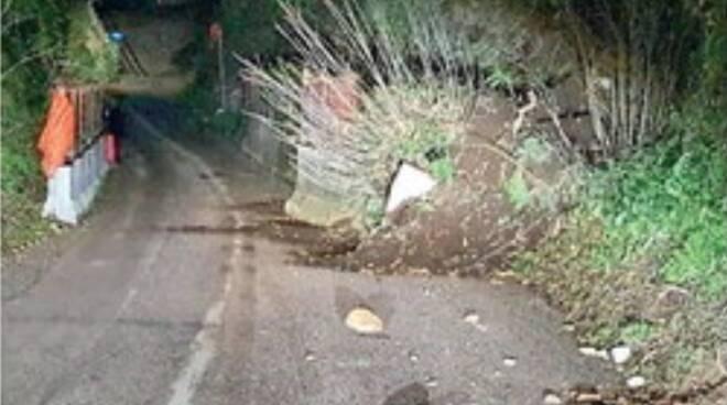 Cava de' Tirreni, piogge e smottamenti: frana a Santa Lucia