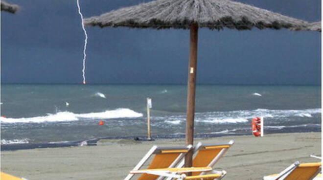 Concessioni demaniali, arriva lo stop: nuove regole e gare per le spiagge anche della Costiera Amalfitana e la Penisola Sorrentina