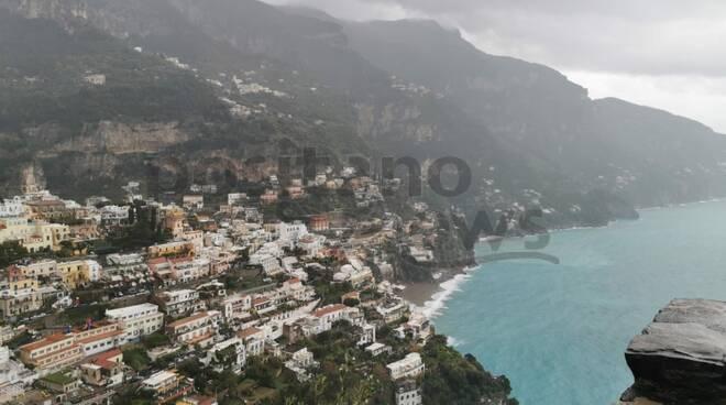 Epifania, continua il maltempo in Penisola Sorrentina ed in Costiera Amalfitana: il video da Positano