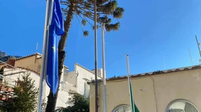 """Giornata della Memoria a Positano, il sindaco: """"Non dimenticare è fondamentale per non lasciare spazio all'indifferenza"""""""
