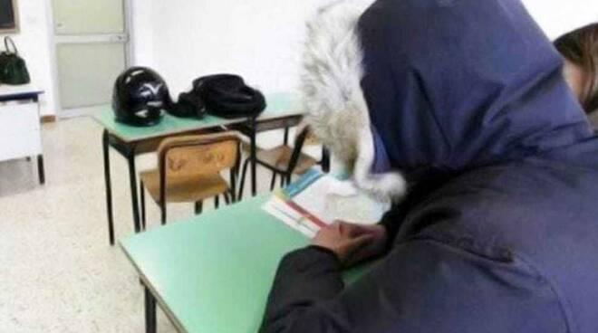 """La denuncia di """"Insieme per Ravello"""": riapre la scuola con le stufette"""