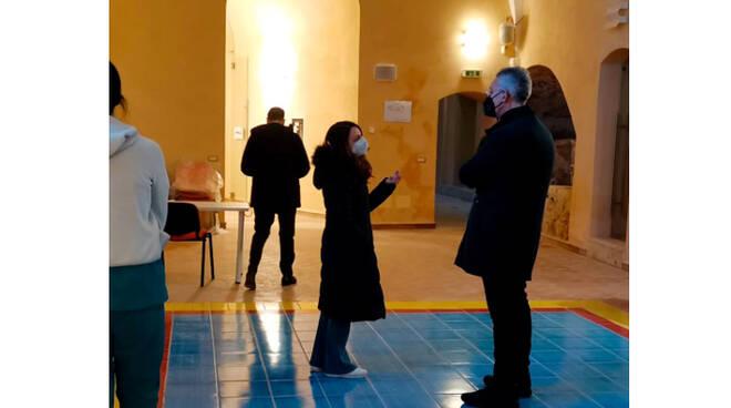 Maiori, il sindaco Antonio Capone in visita alla Fondazione EBRIS di Salerno