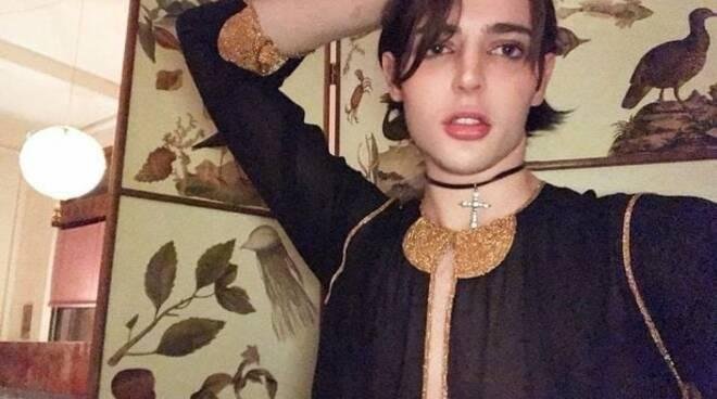 Morto per overdose a 24 anni Harry Brant, figlio della supermodella Stephanie Seymour