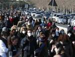 Napoli folla in strada e sui vicoli
