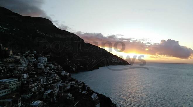 Positano alba primo gennaio 2021 . La prima foto di Positanonews da Maria Grazia