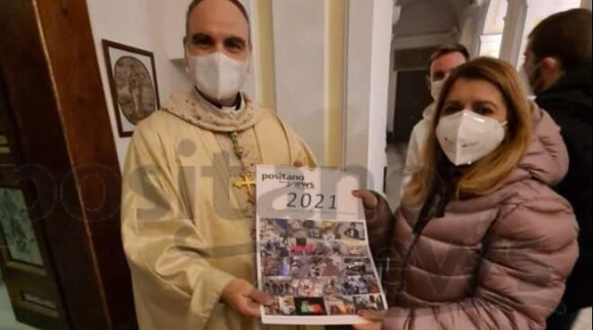 Positano. Consegnato il calendario 2021 al Vescovo Michele Fusco