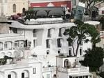 Positano nonostante il lockdown bloccato: tir proveniente dalla Germania incastrato nei tornanti della Chiesa Nuova
