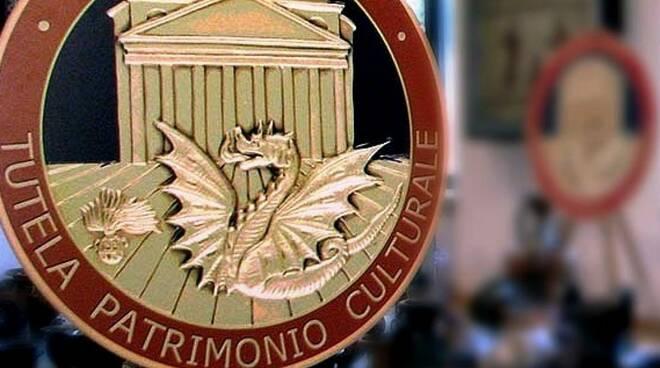 Ritrovata a Sorrento una preziosa maiolica rubata 7 anni fa a Contrada (Avellino)