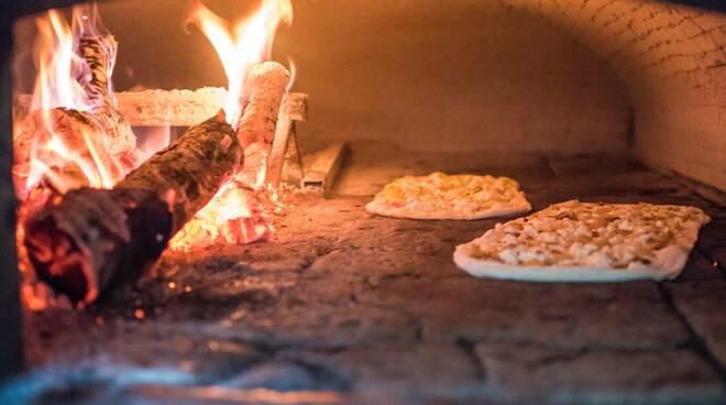 """Sorrento, alla pizzeria """"Da Franco"""" pizze per tutti i gusti, anche per i celiaci"""