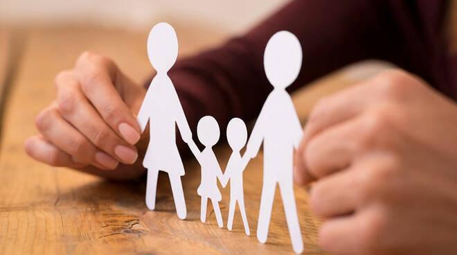 Vietri sul Mare, bando per erogazione contributi di sostegno alle famiglie