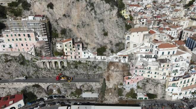 Amalfi, la frana vista con il drone