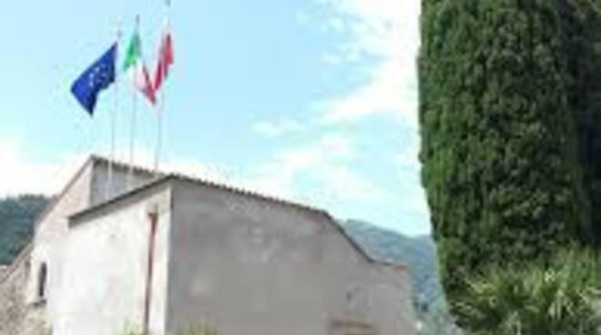 Il sindaco di Ravello Salvatore di Martino precisa scuole aperte domani