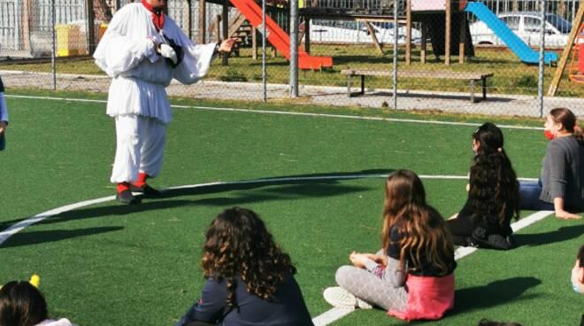 Continua il Tour del sorriso di  Pulcinella come Terapia nelle scuole primarie del Basso Lazio