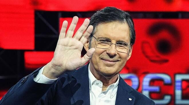 Fabrizio Frizzi oggi avrebbe compiuto 63 anni. Resta nel cuore di tutti