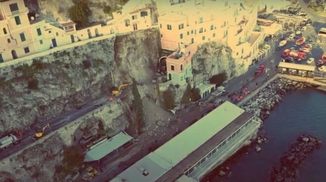 Frana ad Amalfi foto vigili del fuoco
