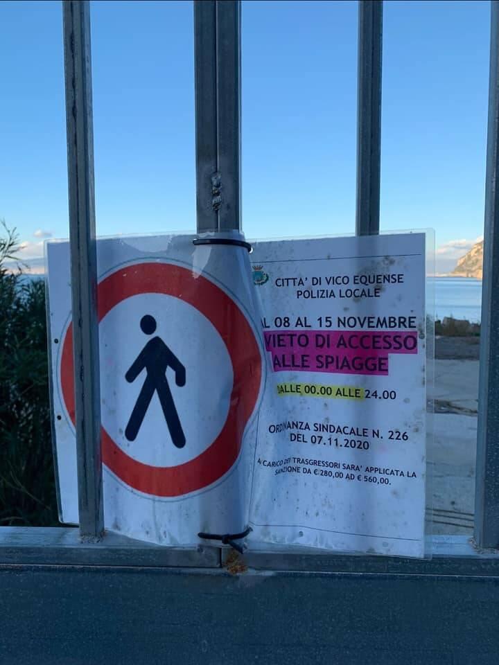 """L'associazione La Grande Onda continua la sua battaglia ai """"cancelli del mare"""""""