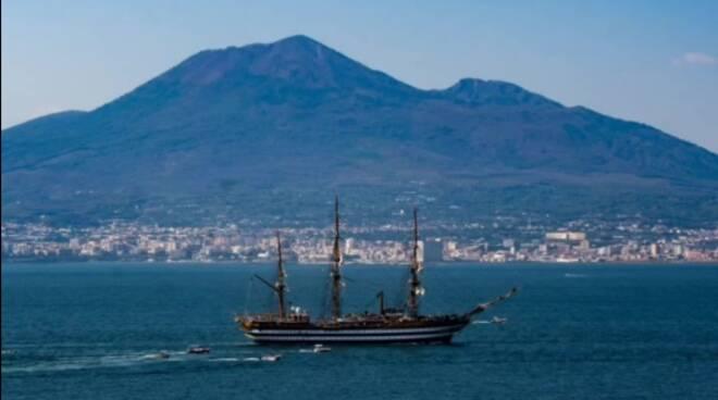 Il video di Girolamo Serrapica per i 90 anni della Vespucci
