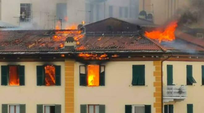 incendio la spezia