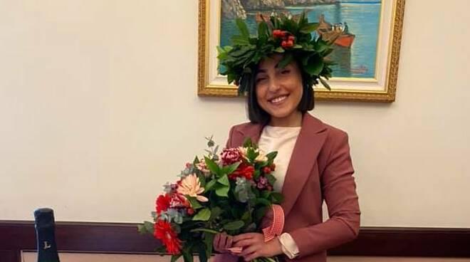 Maiori. Congratulazioni a Giovanna Reale per la laurea triennale in mediazione linguistica