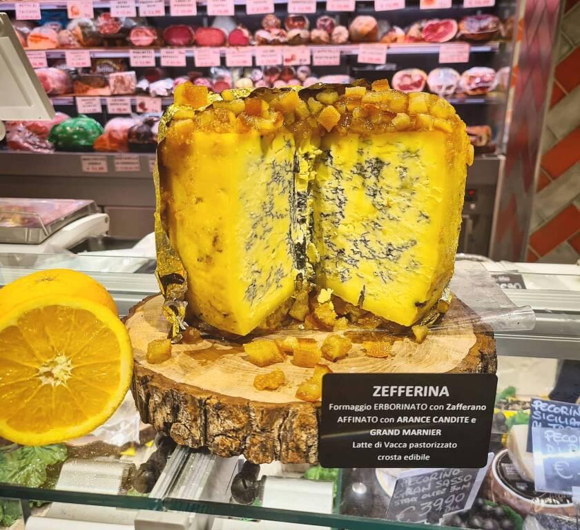 """Piano di Sorrento, gli ottimi formaggi del Supermercato Tre Esse: dalla """"Zafferina"""" alla """"Gola"""""""