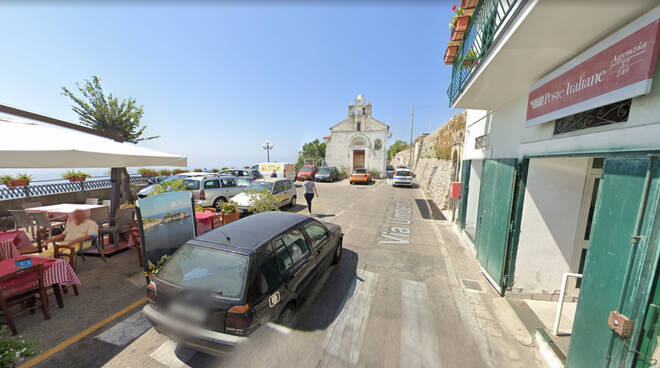 Piazza Olmo conca dei Marini