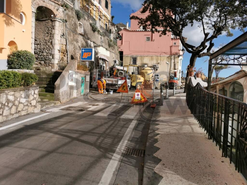 Positano, proseguono con celerità i lavori in Via Cristoforo Colombo